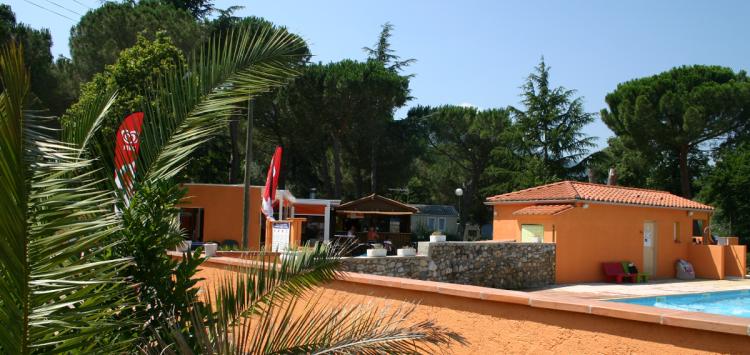 camping proche Le Boulou avec piscine