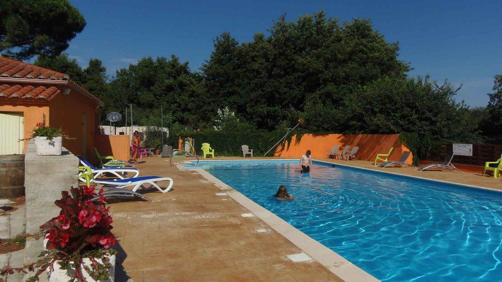 Camping pyr n es orientales avec piscine camping les for Piscine pyrenees orientales