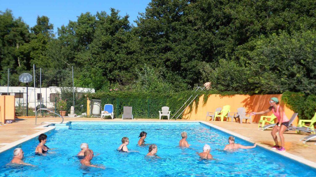 camping pyr n es orientales avec piscine camping les pins le congo maureillas 66. Black Bedroom Furniture Sets. Home Design Ideas