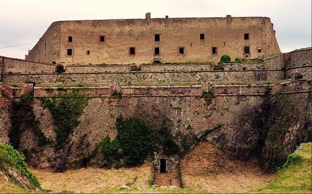 Château de Bellegarde au Perthus vers le camping